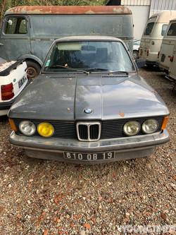 BMW 318 E21
