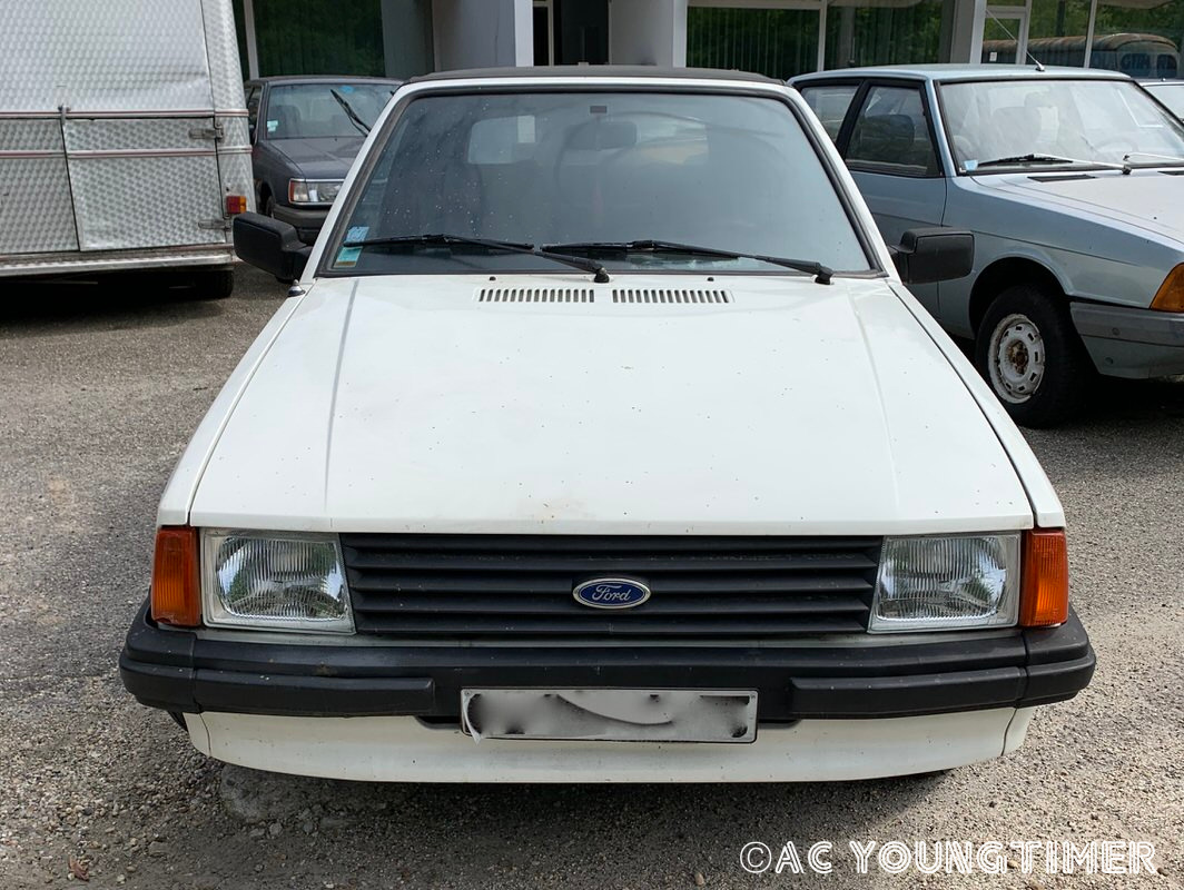 Ford Escort  Cabriolet 1500€