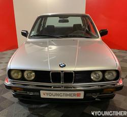 BMW 320 i 6 cylindres