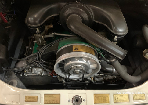 Porsche 911 L moteur.jpeg