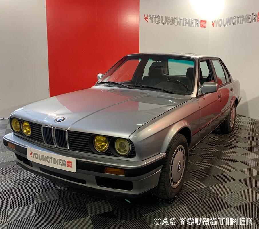 BMW 320i 4 portes