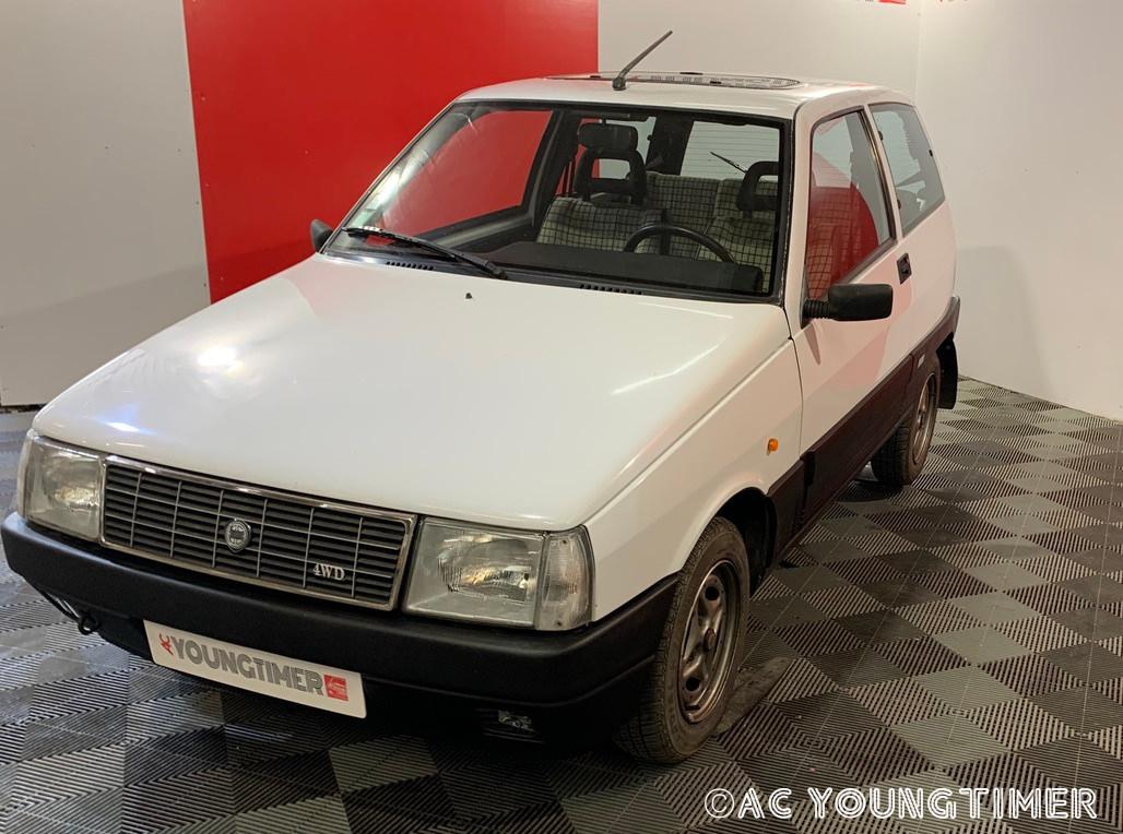 Lancia Y10 4X4 3990€