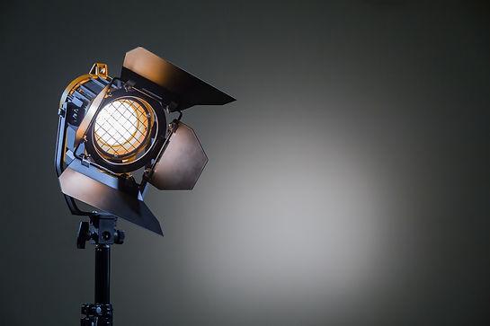 Veranstaltungstechnik Scheinwerfer Arri Warmweiß Lichtstativ Fotostudio