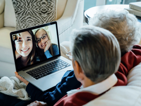 Tips para mantenerte en contacto con tus cercanos desde casa