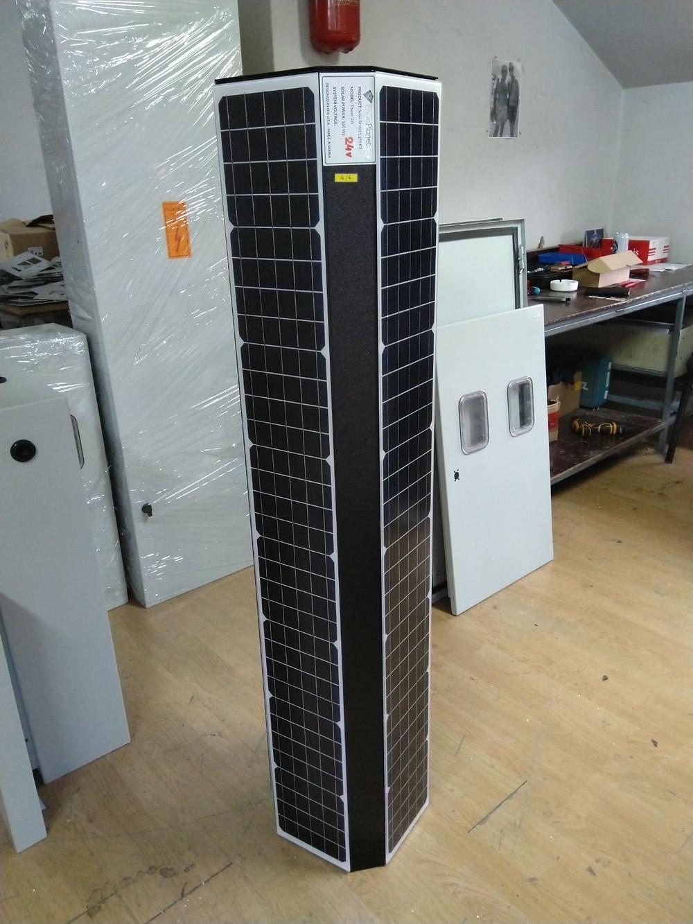 vertical solar streetlighting module