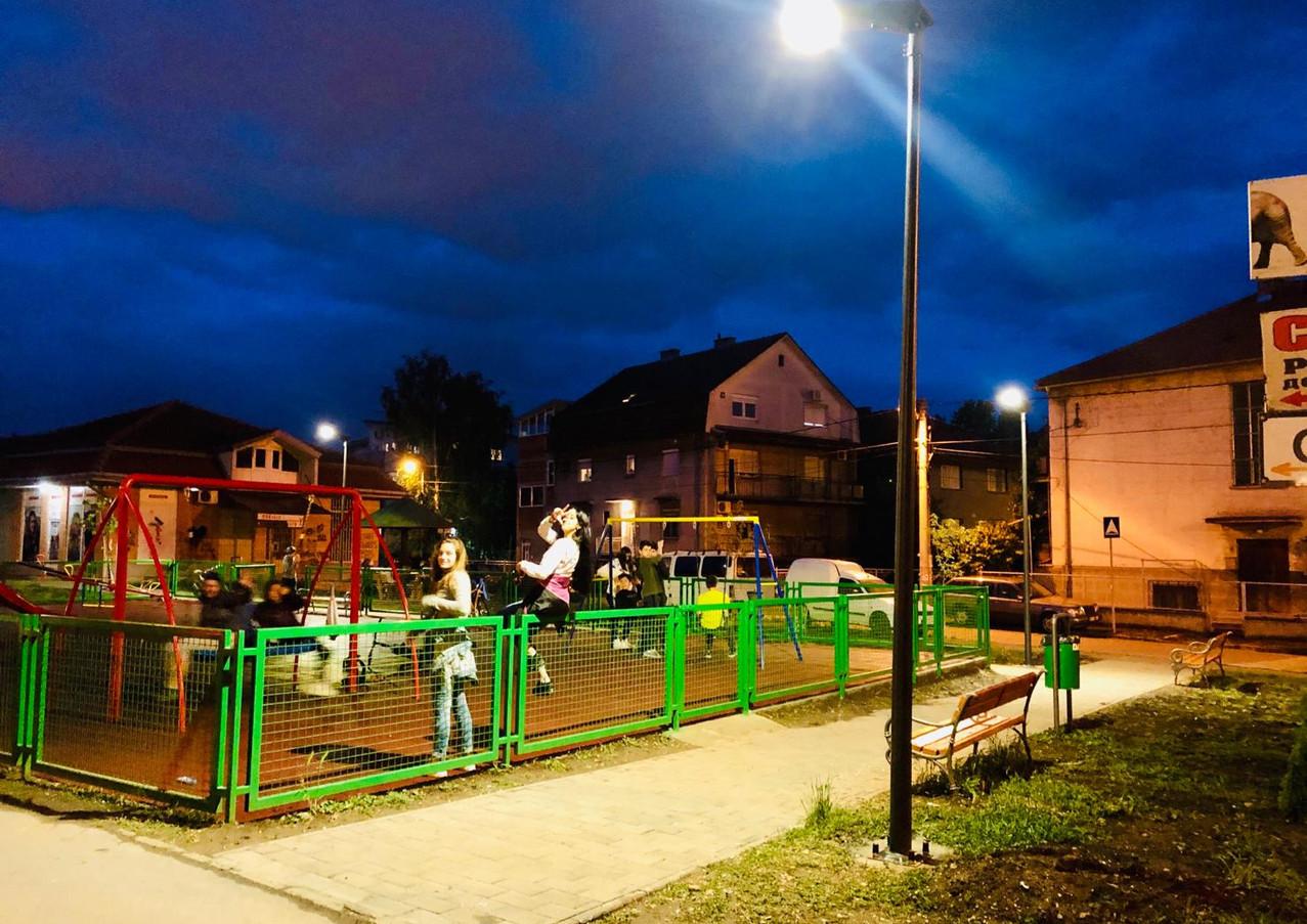 all-in-one-solar-led-street-light.jpg