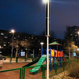 solar_streetlight_vertical_park.jpg