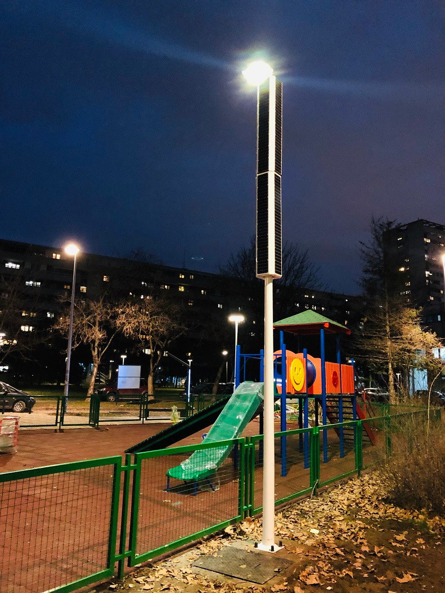 solar powered streetlight for parks