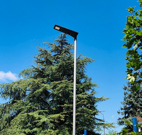 all_in_one integrated solar street light