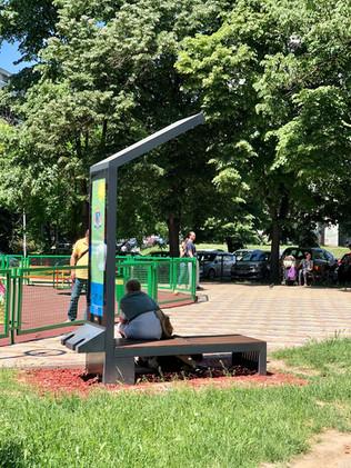 smart-solar-bench.jpg