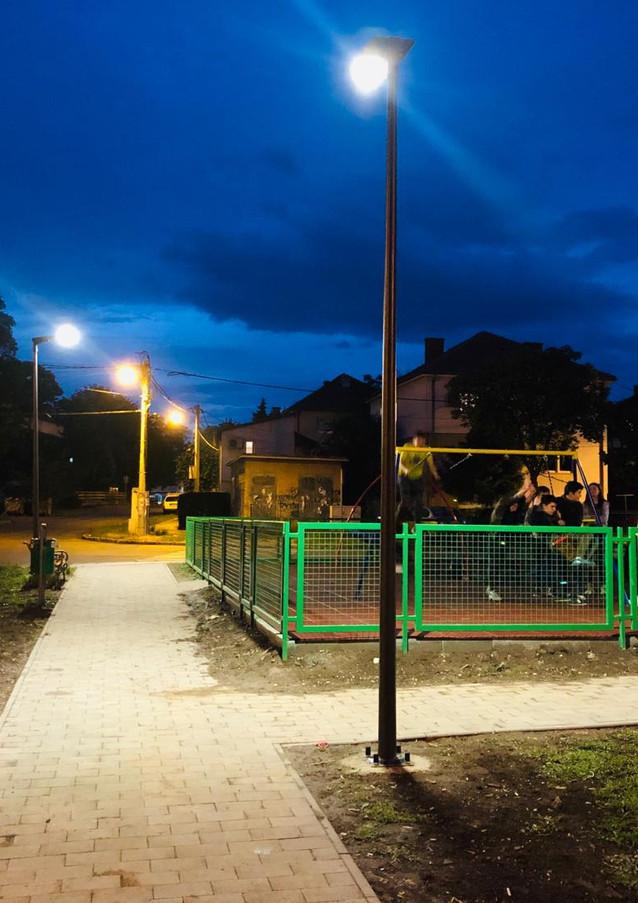 all-in-one-solar-led-streetlight.jpg