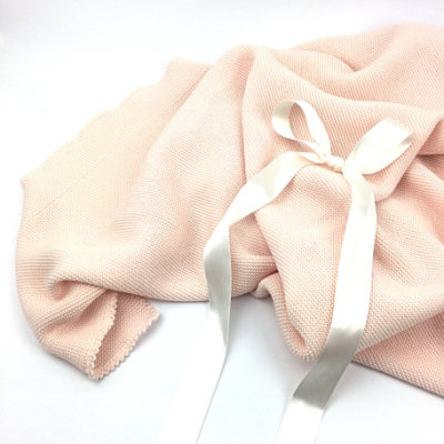 Samtweiche Decke in rosa