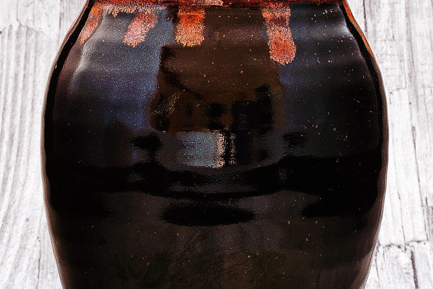 Tenmoku vase with ilmenite rim.jpg