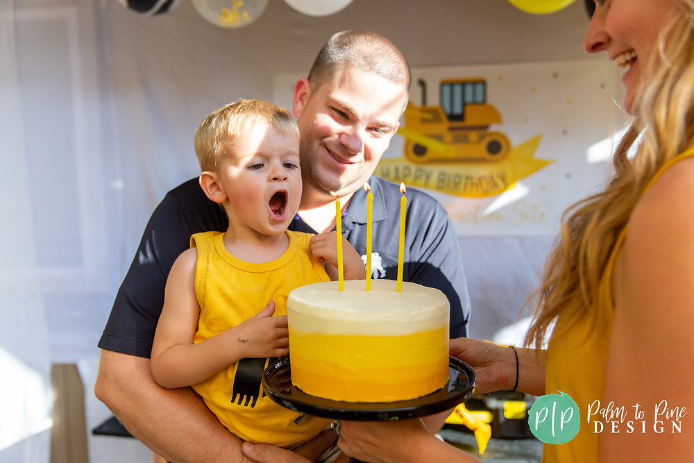 construction birthday cake, yellow ombre cake