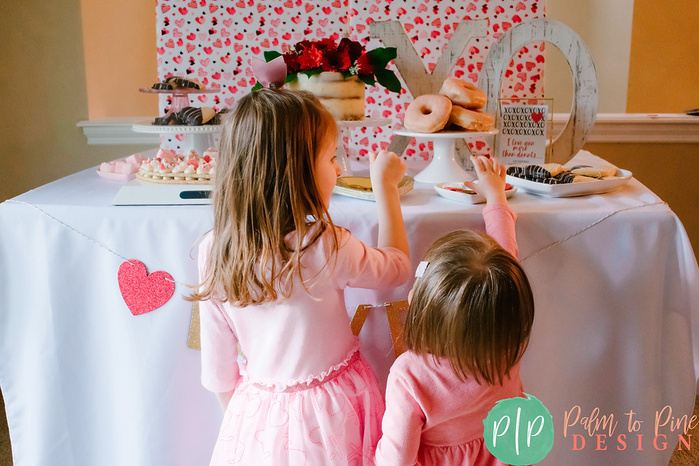 How to create a valentines dessert table