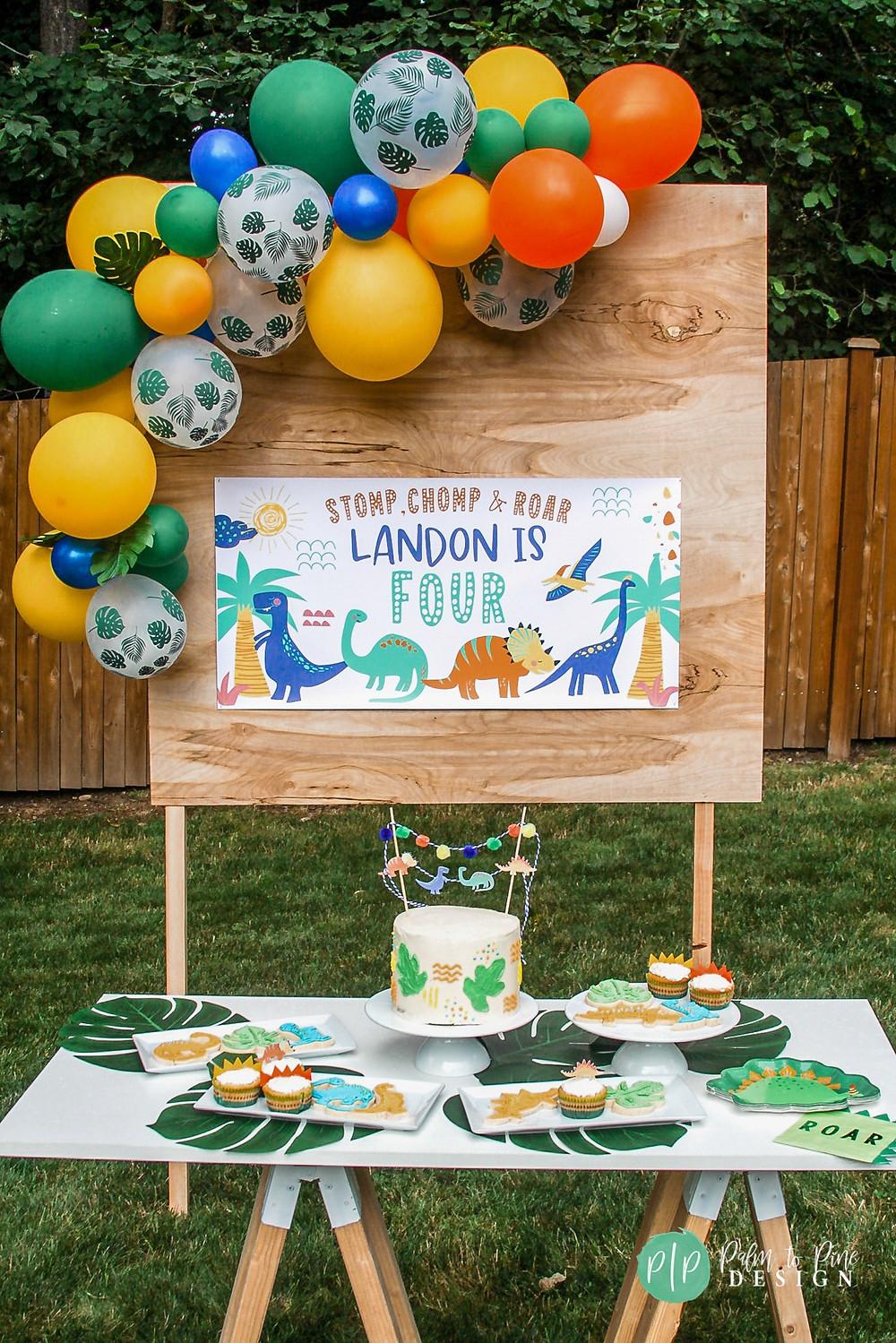 dinosaur birthday treats, dinosaur dessert ideas, dinosaur dessert table