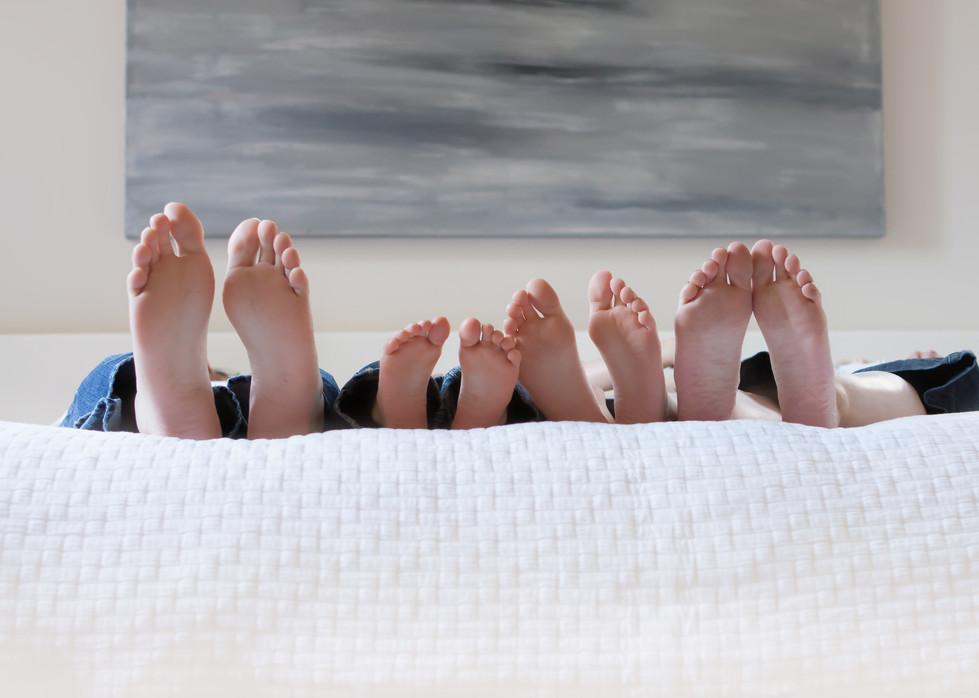 2010_September_09-Hoppe Family on bed-04