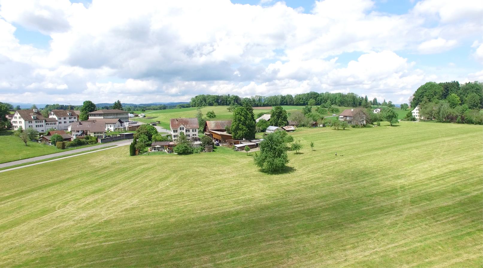 Blickrichtung Westen, Höfe und Siedlungsgebiet der Brach