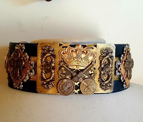 The Regalia Collar