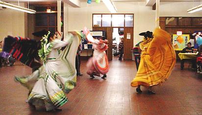 Hispanos por la Vida fiesta dancing