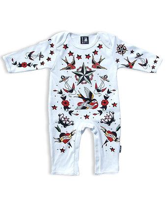 Pyjama tattoo parlor SIX BUNNIES