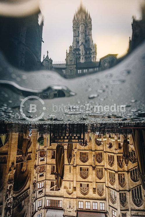Rathaus - Upside Down (#8122)