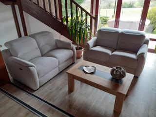 Canapé, table de salon et meuble TV
