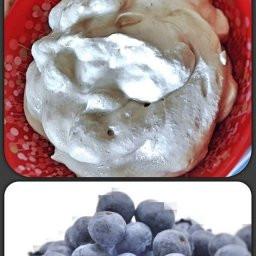 Heidelbeere küsst das Joghurt-Parfait