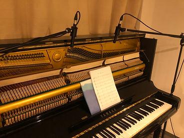 常設アップライトピアノ.jpg