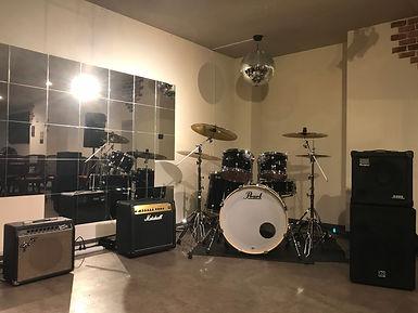 常設ドラム&アンプ.jpg