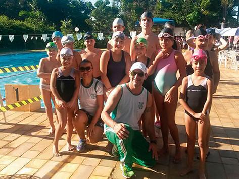 Cosmopolitano conquista 11 medalhas em Interclubes de Natação