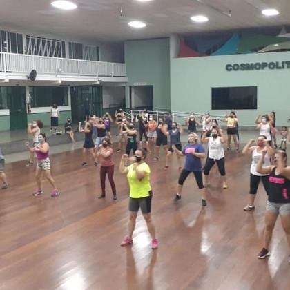 Aulas de Fit Dance estão de volta
