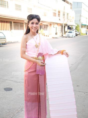 Wear Thai Costume.jpg