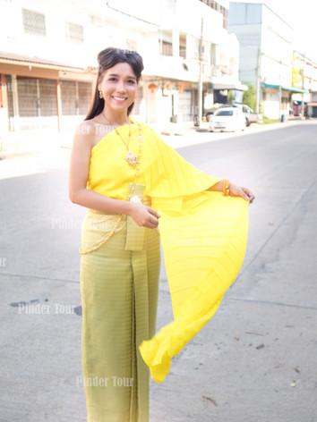 Thai Costume Rental (2).jpg