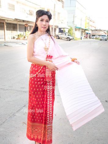 Thai costume.jpg