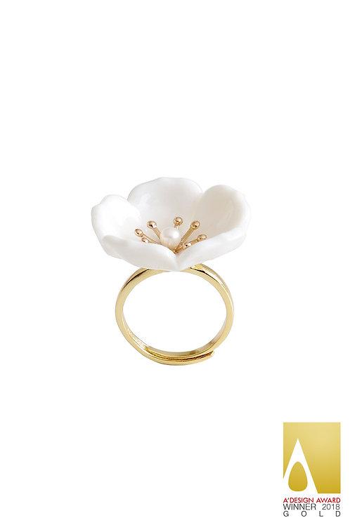 Snow-White Porcelain Plum Blossom Ring