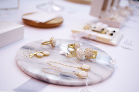 White & Gold collection