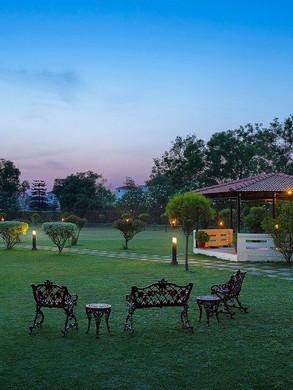 Jardins do Hotel e spa Ayurvédico Naturoville - Rishkesh