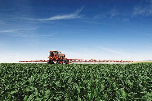 Pulverização em milho.jpg