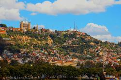 풍경_왕궁이 보이는 언덕, 안타나나리보_마다가스카르, 30.5 x 45.