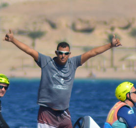 Kitesufing kiteboarding H&S Water Sports Aqaba Jordan Red Sea