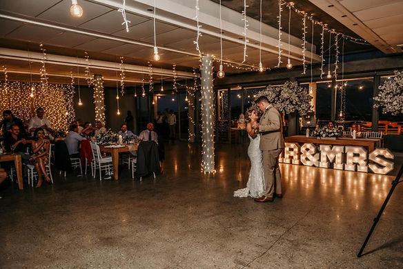 Landtscap wedding lights