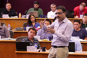 Vidhan Goyal teaching Kellogg HKUST Executive MBA