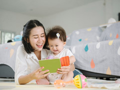6 Benefits to Reading Picture Books to Your Toddler