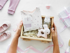 10 Best Gifts for a New Mum