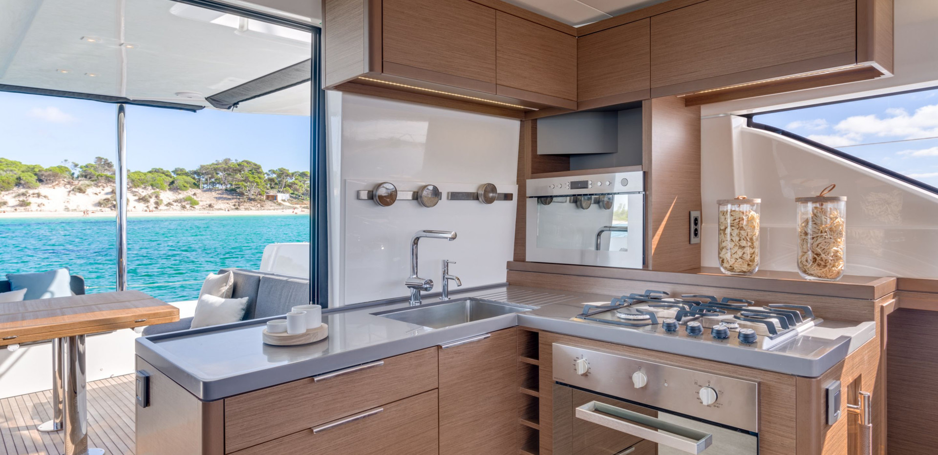 lagoon-50 kitchen.jpg