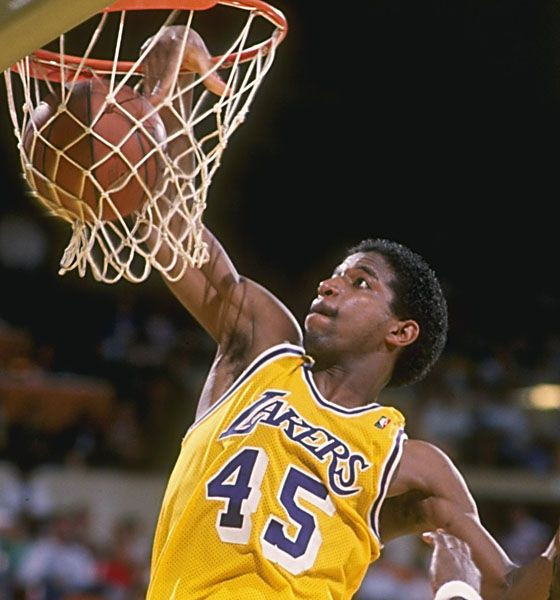 ac_green_lakers_around_the_game