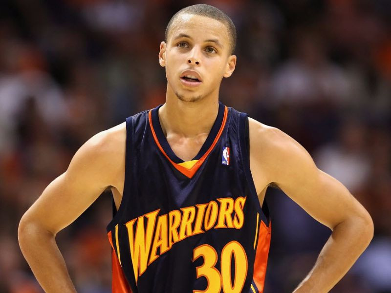Curry_rookie_Around_the_Game