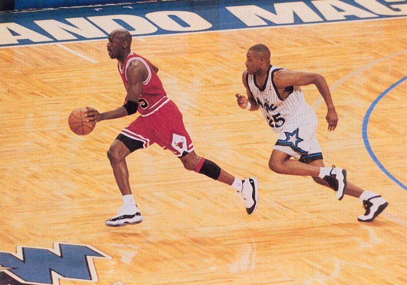Anderson_Steal_Jordan_Around_the_Game