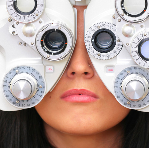 4 coisas que o médico oftalmologista deve saber antes de iniciar seu setor de lentes de contato